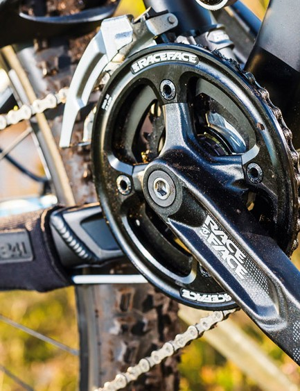 The metal bashguarded Race Face cranks should take plenty of abuse