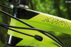 The E2 tapered head tube keeps things stiff up front, while internal routing gives clean lines