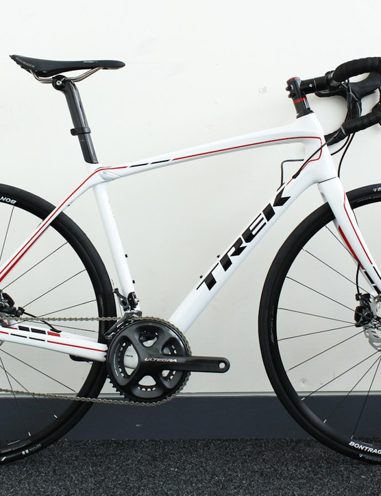 The Domane 6.2 Disc. Production versions will have the correct mechanical RS685 brake levers, and will cost £4,000/AU$5,099