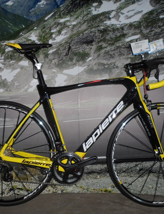 The €4,099 Aircode 700 tops the range and comes with full Ultegra Di2 and Kysrium wheels. The final version will be matte-finished, unlike this glossy pre-production version