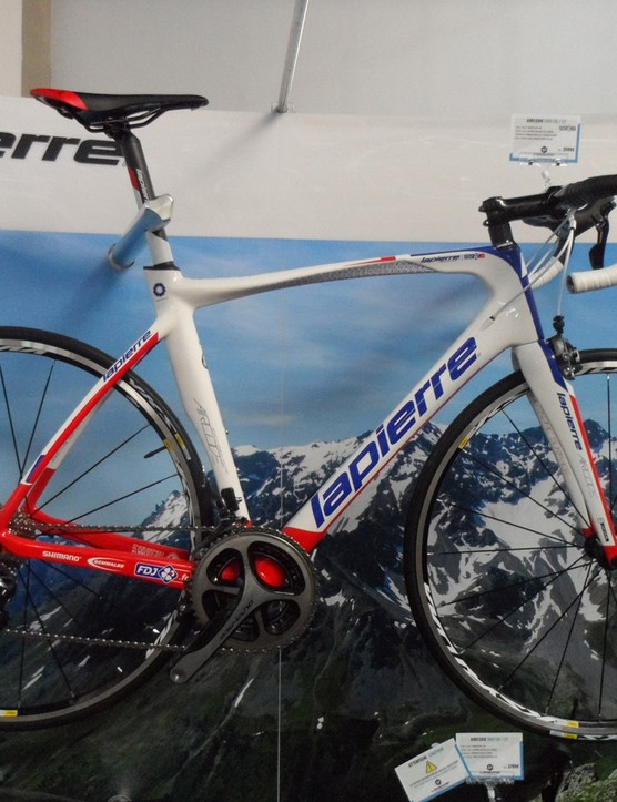 The €3,599 Aircode 500 comes in FDJ team colours and uses a mix of Ultegra and Dura-Ace and Kysrium Equipe wheels