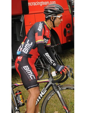 Darwin Atapuma, pictured before he unfortunately crashed out with a broken leg, showing how his jersey matches his frame design