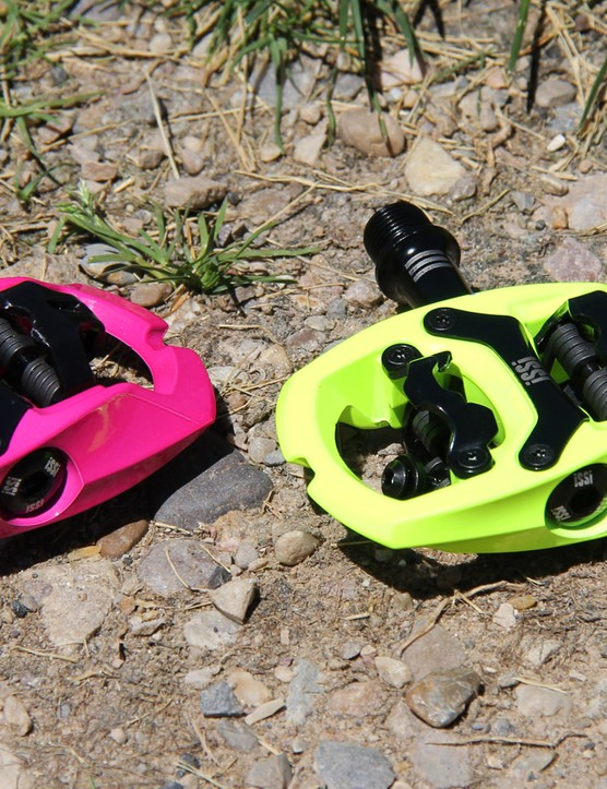 iSSi is a new line of SPD-compatible pedals. The trail pedals shown here come in a variety of colors. Pricing runs from US$95 to US$120