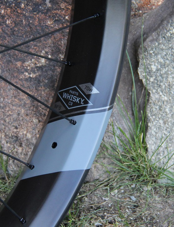 The Vanhelga was designed in conjunction with Whisky's tubeless-ready carbon fat bike rim