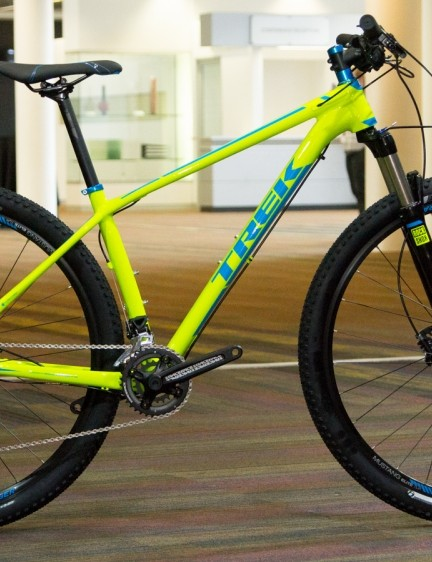 The base-level SuperFly 5 uses the aluminium frame introduced last year. We're fans of this new neon colour