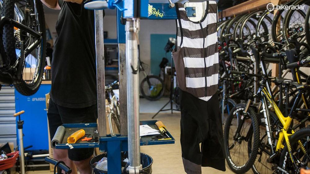 Café du Cycliste Antoinette bib shorts