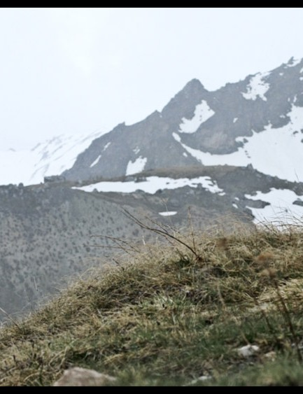 6km to go, and there's plenty of snow on the mountain tops