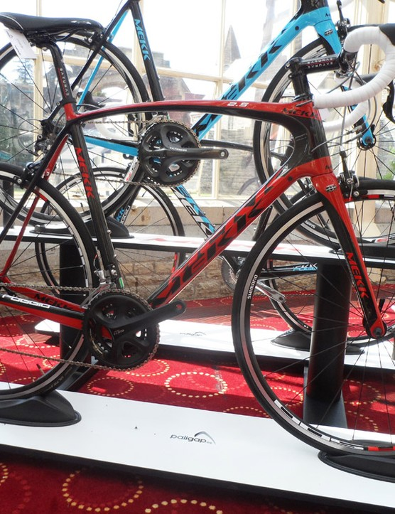 Move up to the Poggio 2.5 and you get full 11-speed Shimano 105
