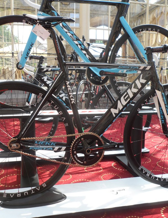 The concept is pure track, but the Pista-series bikes ship with three chainrings so you can tweak your steed to the event you're pointing it at
