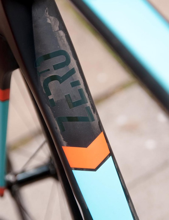 The Zero is constructed using a blend of 24- and 30-tonne carbon yarns