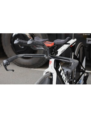 A very neat setup on Trek Factory Racing's Gregory Rast's Speed Concept, with a single riser supporting the proprietary TT extensions