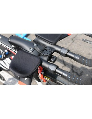 A very neat Di2 cable run, control box mount, Garmin mount, and presumably the electrical tape is wrapped around the TT extension tightening nuts to save them from scratching when tightening with a wrench