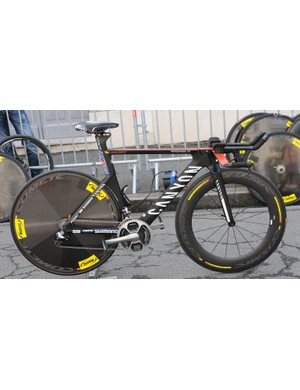 Joaquin Rodriguez ran a standard but very clean looking Canyon Speedmax CF with a Mavic Comete disc and CXR80 front wheel