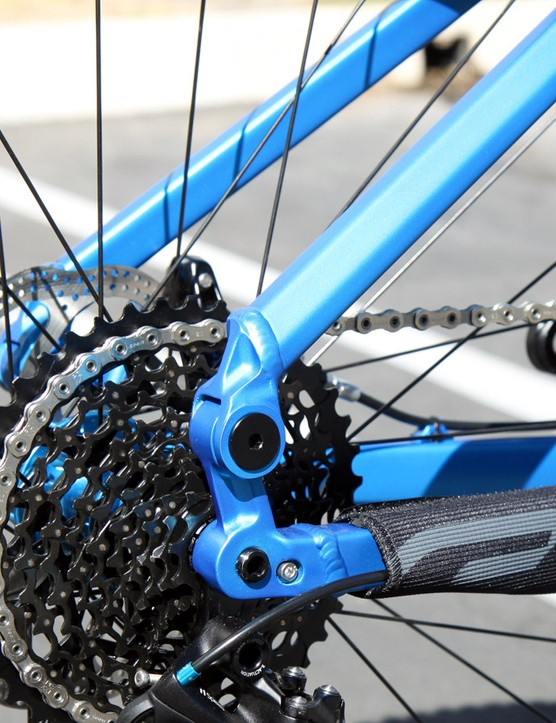 While carbon framed Equilink bikes can make do with some tuned flex in the stays, aluminum frames require a mechanical pivot to accommodate the change in geometry as the rear end moves through its travel