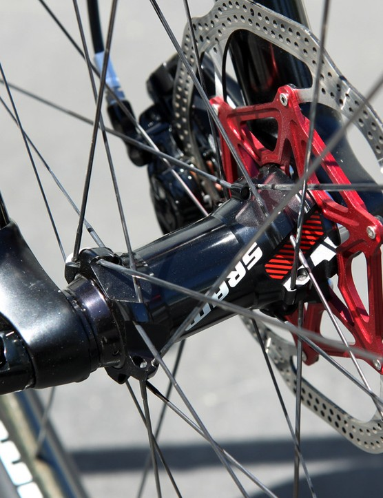 The RockShox RS-1 fork on Felt's 2015 Edict FRD is paired with a set of SRAM carbon fiber wheels