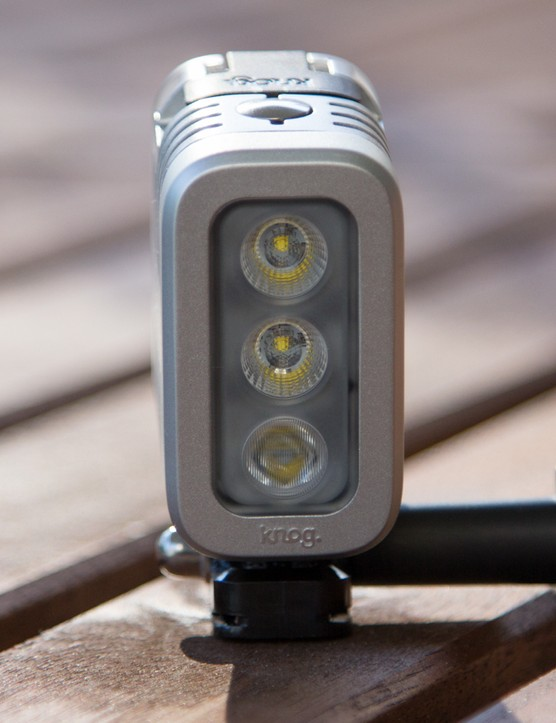 Three high-power CREE LED's offer multiple lighting options for the Knog [qudos]