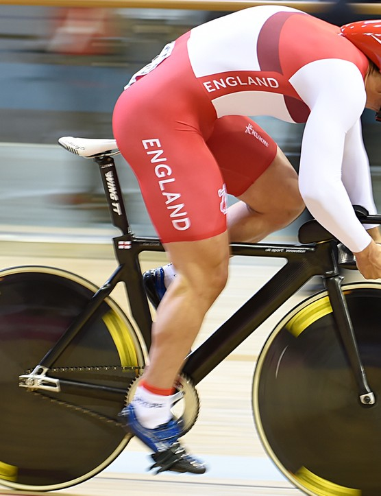 Unlike Clancy, Kian Emadi has a Wing TT aero seatpost with a curious cut-out at the bottom. The saddle looks to be a Prologo Scratch Pro Plus. Emadi's bullhorns also curve upwards for better grip when sprinting