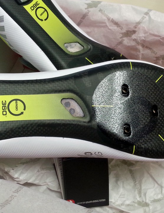 The carbon soles feature two small mesh-covered vents