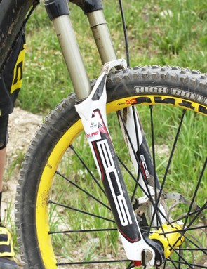 A 160mm Bos Devillle fork handles the big hits