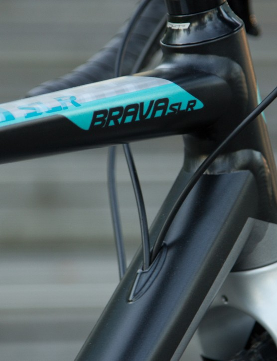 The Brava SLR features internal cable routing at a location that won't get in the way during dismounts