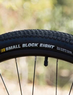 These Kenda tyres are often used on elite-level bikes. While this is a cheaper version of the tyre, it still rolls quickly and grips confidently in a variety of conditions