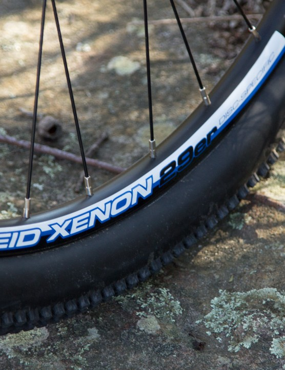 Reid uses a basic alloy 29in rim on the Xenon, but despite its weight we had no issues at all