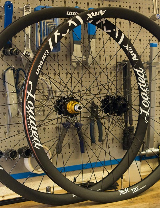 Loaded AMX 27.5 carbon rims on Hope Evo hubs
