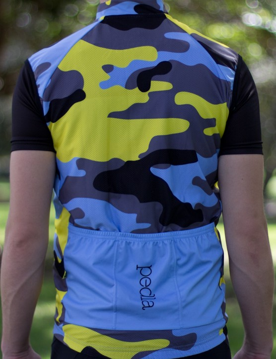 Large reinforced pockets are a rarity on lightweight vests