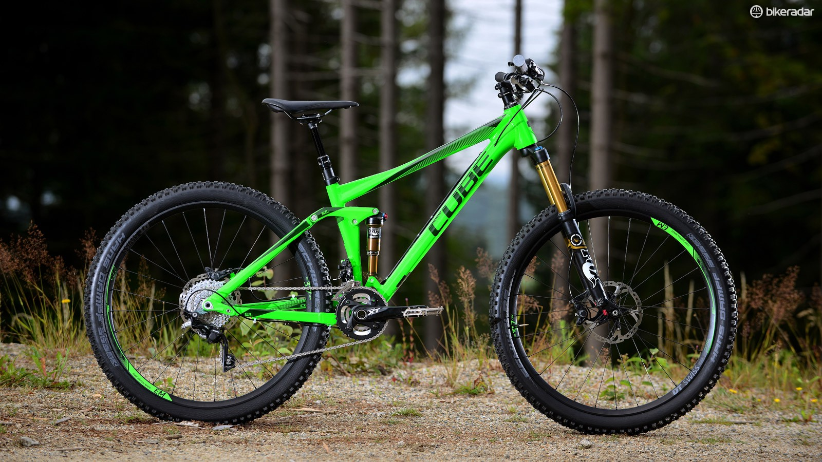 The 140mm travel 650b Stereo shown in another HPA (High Performance Aluminium) guise. This is the bike we rode, smashing it down a German downhill track for the day, testing just how far we could push the 140mm of travel