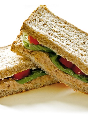 To make your power sandwich, choose rye, spelt, wholemeal or multi-seeded bread. Tuna, chicken, eggs or houmous make good fillings