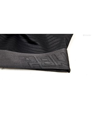 Silicone threads are woven into the Onda fabric
