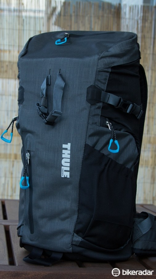 Okay, so it's not a cycling item. But those who own a DSLR camera may be interested to know that Thule is now in the camera bag business –and this Perspektiv DSLR backpack is great for a day trip