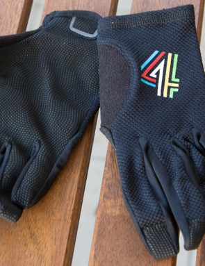 4Shaw's MTB Race are lightweight cross-country gloves built for harsh Australian summers