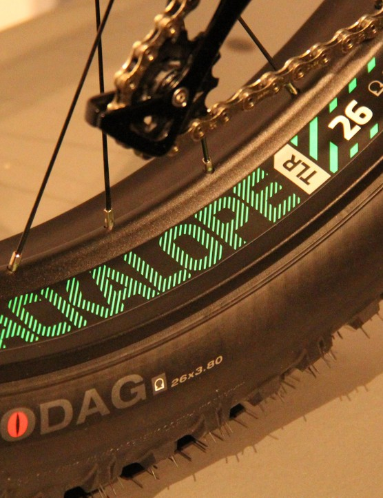 Both the 80mm wide Jackalope rim and the 26x3.8in Hodag tyre are designed to be run tubeless