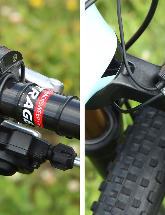 Emily Batty (Trek Factory Racing) is using Fox's electronically controlled 32 Float iCD fork. Lockout is engaged by a bar mounted rotary switch and servo-operated valve inside the damper. The battery required to operate the system is tucked away inside the steerer tube