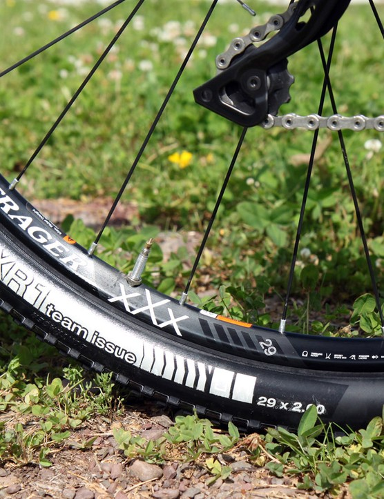Bontrager's latest XXX TLR Disc 29 wheels reportedly weigh just 1,440g for the pair
