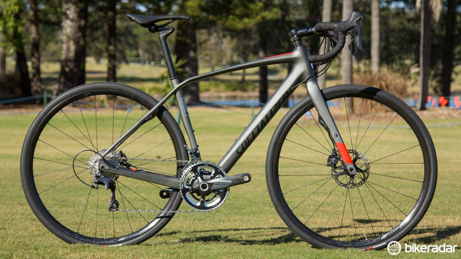 Specialized Diverge comes equipped with super-compact cranksets for 2017