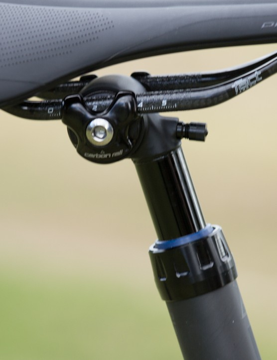 The top-end Specialized Diverge Carbon Di2 will feature this new 35mm Command Carbon dropper post