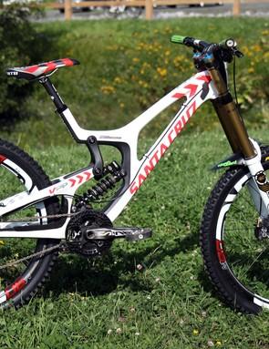 Josh Bryceland (Santa Cruz Syndicate) has made the move to 27.5in wheels with Santa Cruz's redesigned V10