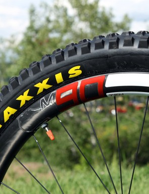 Maxxis DHR II tires are mounted - tubeless - on Enve M90 Ten carbon fiber rims