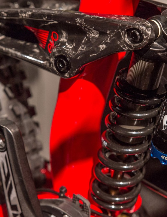 The Session 9.9 gets a carbon rocker link and serves up 210mm of suspension travel