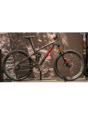 Trek's enduro race bike, the Slash, gets a carbon makeover for 2015. Pictured here is the top-end Slash 9.9