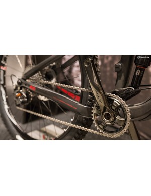 The Slash 9.9 will come equipped with Shimano's new mechanical 11-speed XTR group