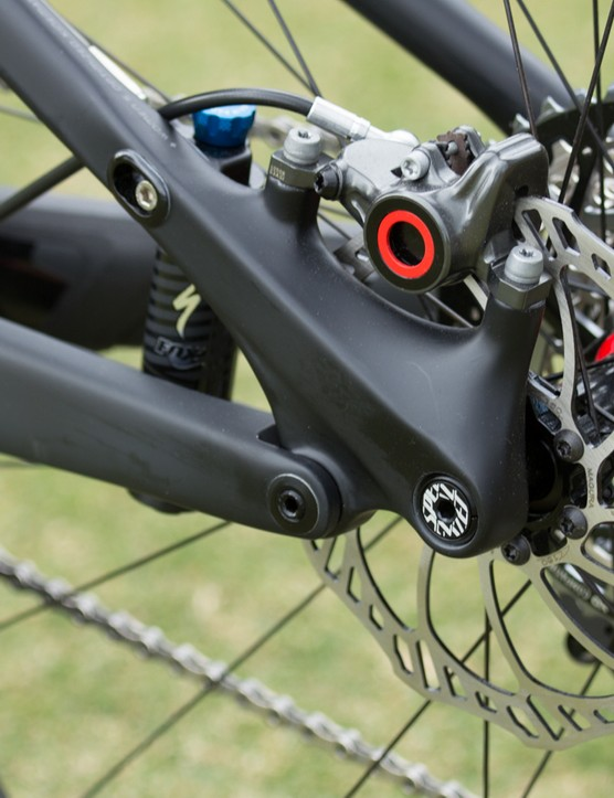 The Specialized Era uses the brand's proven FSR linkage system and Brain suspension technology. The Brain senses forces from the wheel and reacts by opening the otherwise-locked rear suspension