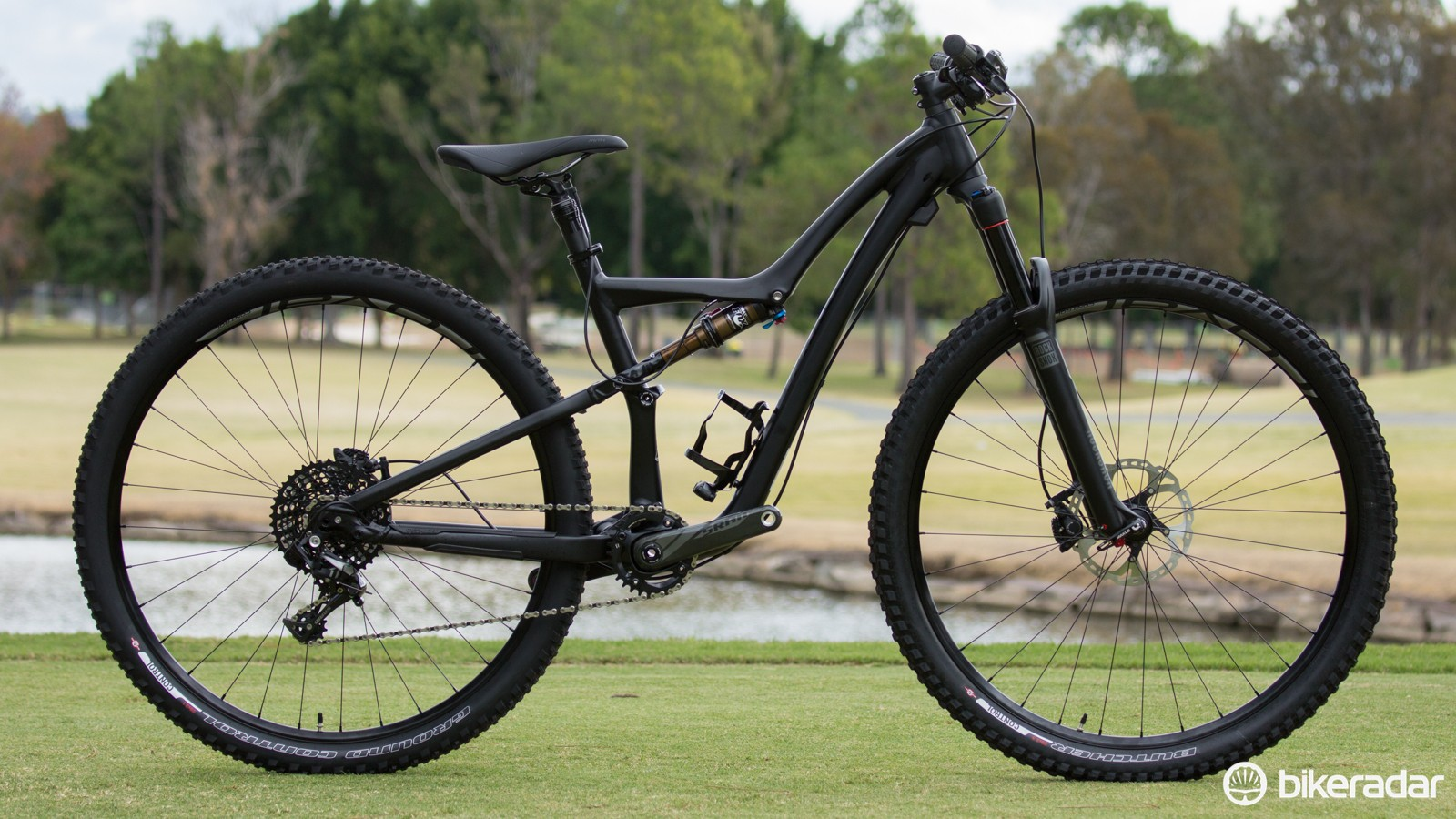 The brand-new Specialized Rumor Expert Evo 29, offering a trail-ready 120mm of suspension travel