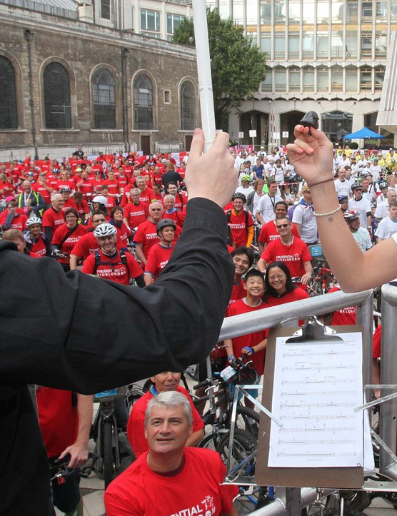 Laura Trott helped Dominic Wheeler lead the Bike Bell Orchestra