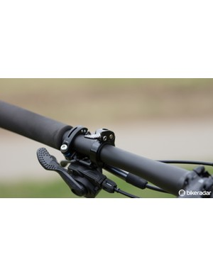 The Command Post XCP is a stealth dropper and uses a handlebar remote to adjust its height