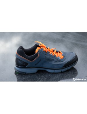 The Specialized Cadet (US$TBC / AU$119.95 / UK£TBC) is a new recreational/fitness shoe that replaces the Tahoe. This shoe features the Lollipop sole and is both flat pedal and SPD compatible