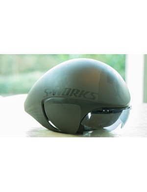 Based on the McLaren helmet of a few years ago, the S-Works TT helmet now includes an optional shield