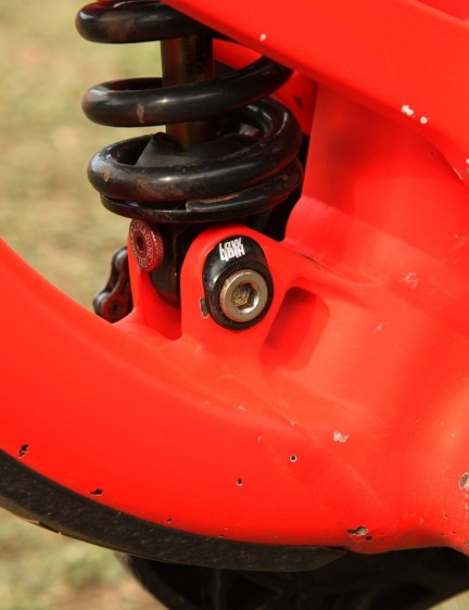 There are also two available settings for the rear shock position. Needless to say, the paint has been taking a beating